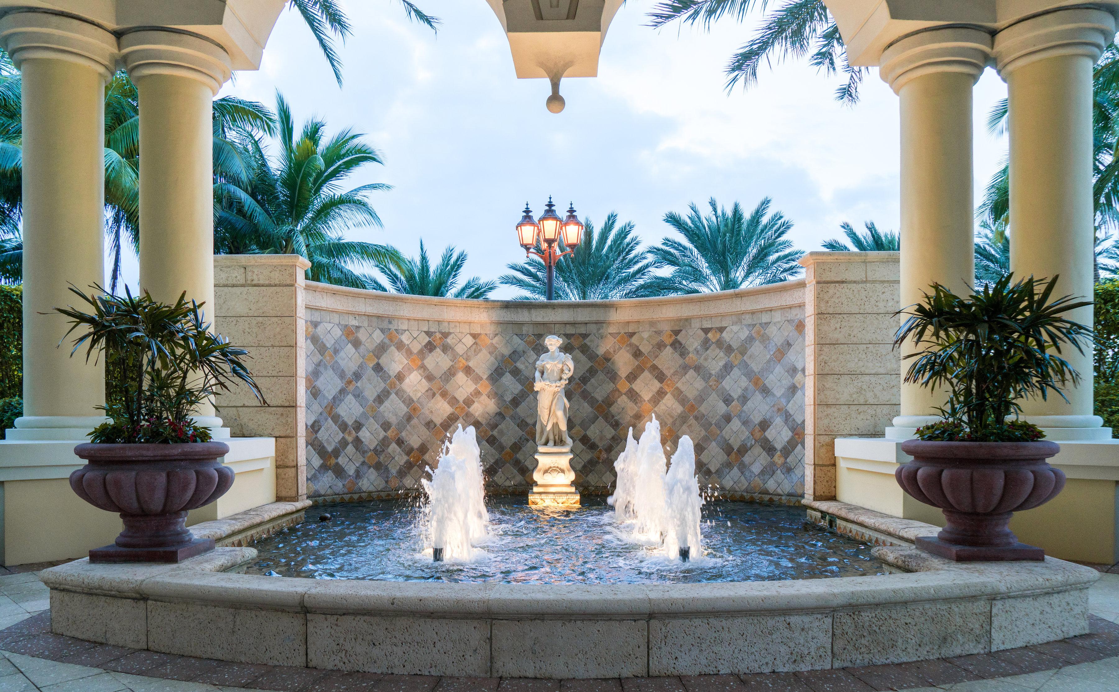 Acqualina Fountains